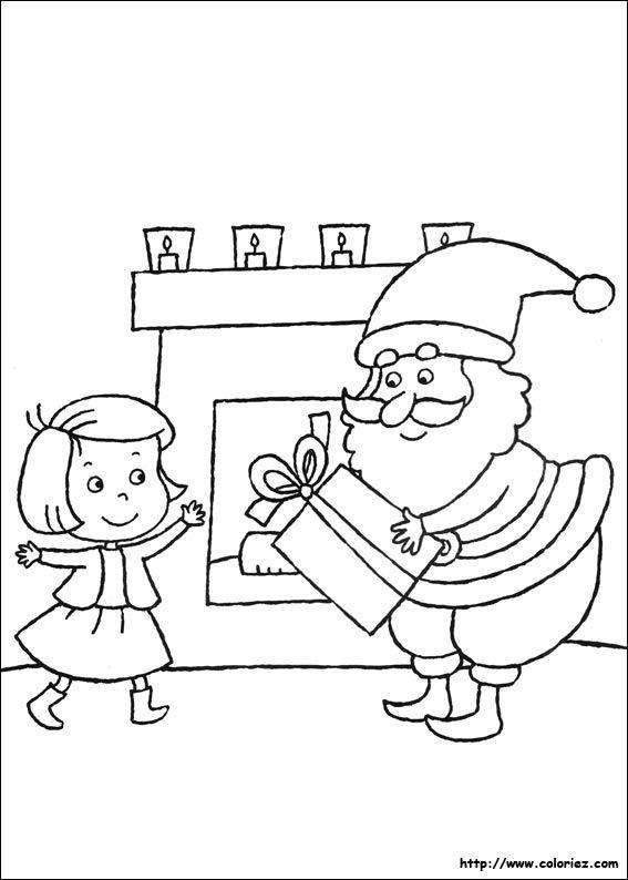 Père Noël donne un cadeau