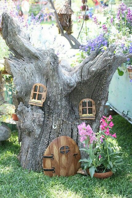 Fairy Garden, Tree Trunk House What Fun It Would Be To Do To A Real Tree In  Your Backyard. Find A Dead Tree Trunk And Make It A Feature