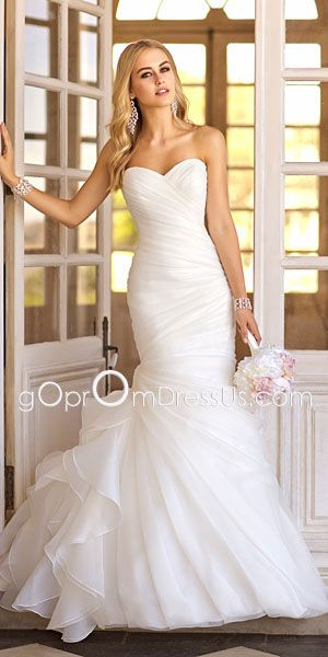 #Wedding Dress mermaid style ♡ How to organise an entire wedding, within your budget … so much wedding planning information … for less than a cup of coffee https://itunes.apple.com/us/app/the-gold-wedding-planner/id498112599?ls=1=8 ♥ Weddings by Colour http://pinterest.com/groomsandbrides/boards/ ♥