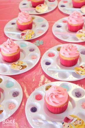 Party idea, decorating cupcake on paint palette