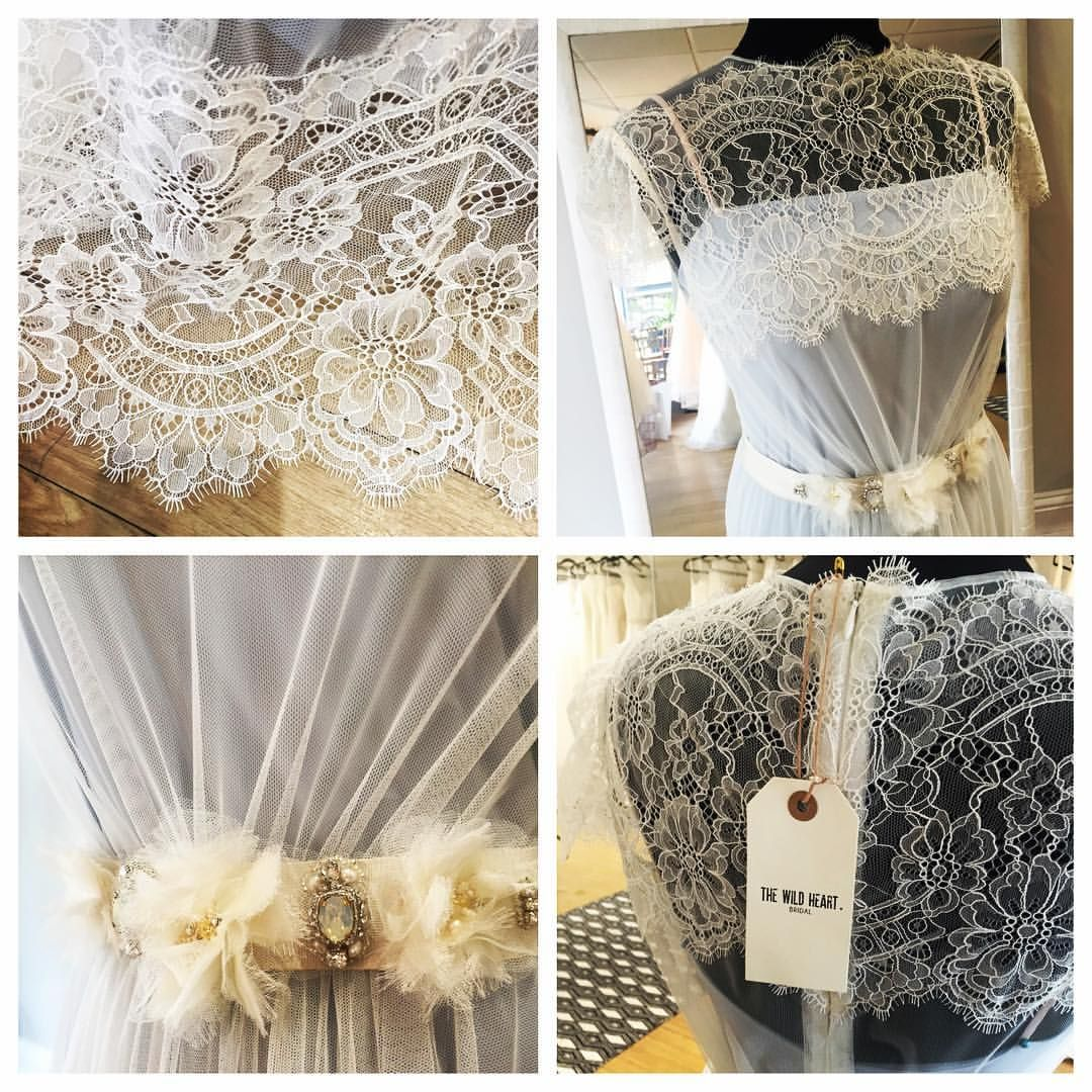 • DETAILS • Theresa by @shehurina  #somethingblue #bohobride #laceweddingdress #deets #happywednesday