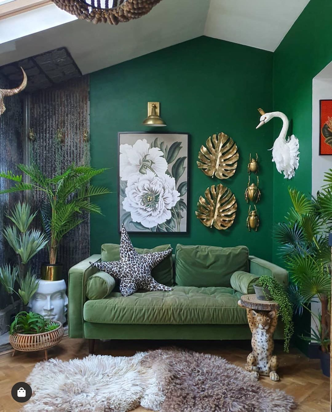 Hello Plant Lover On Instagram Loving The Green Wall Curated By Hellodecorlover Image By Hilaryandflo Home Decor Living Room Decor House Interior