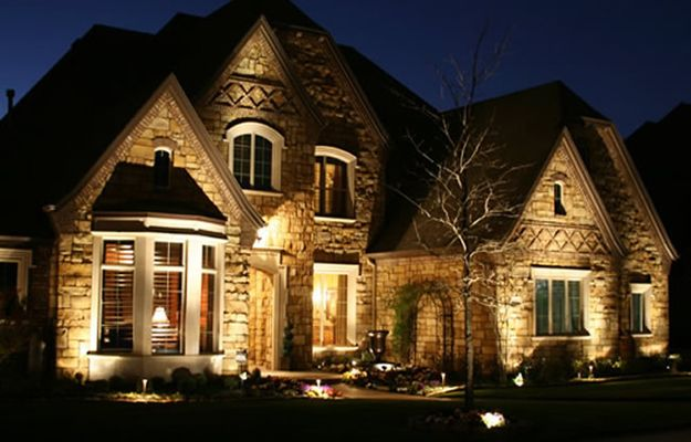 Love The Lighting Exterior Lighting House Exterior Modern