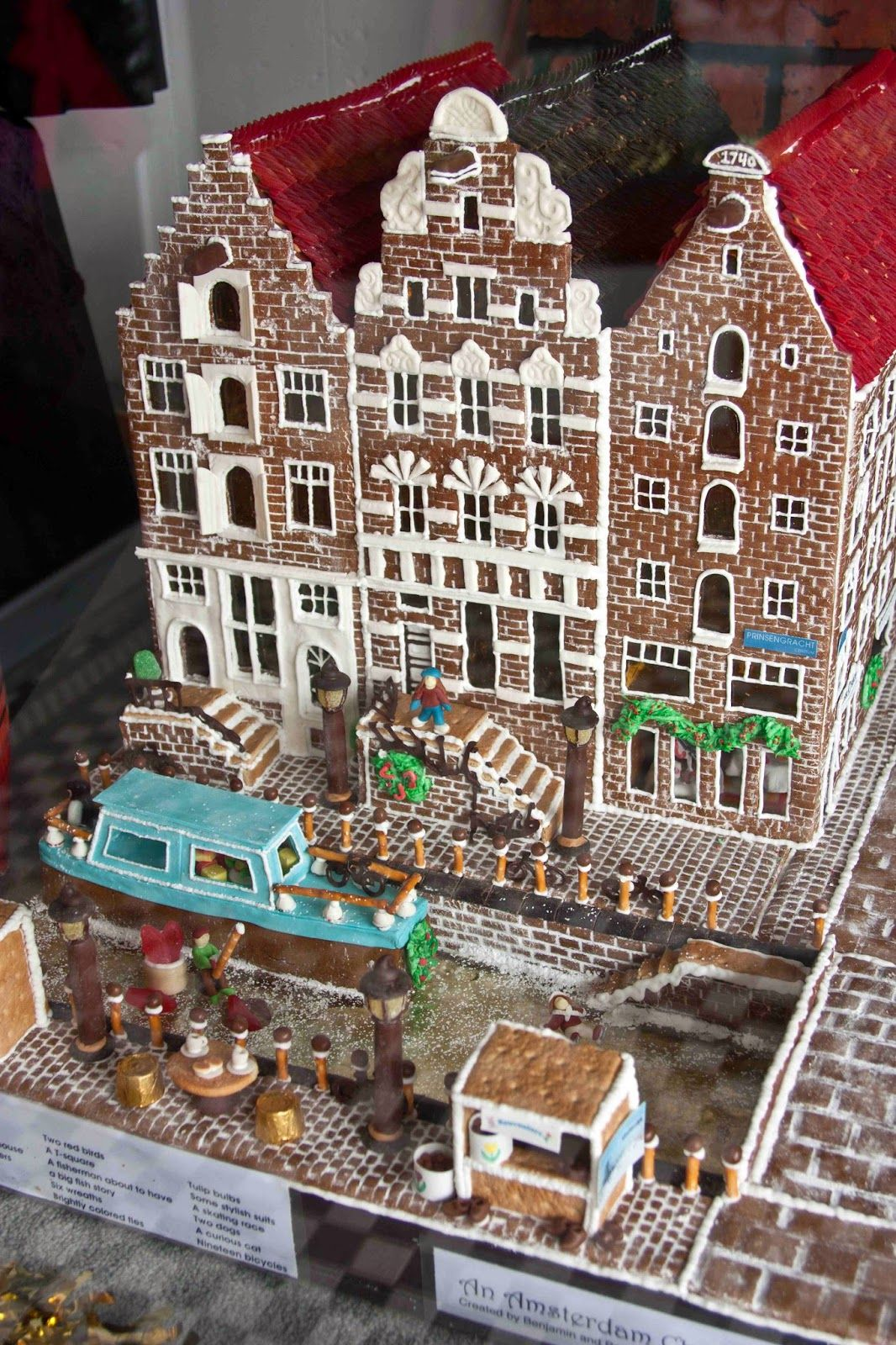 Gingerbread house amsterdam parade of gingerbread homes for Gingerbread house inspiration