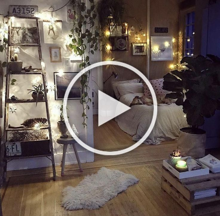 Boho decor idea for a small apartment with bedroom  #UpcycledHomeDeco | Small Be...#apartment #bedroom #boho #decor #idea #small #upcycledhomedeco