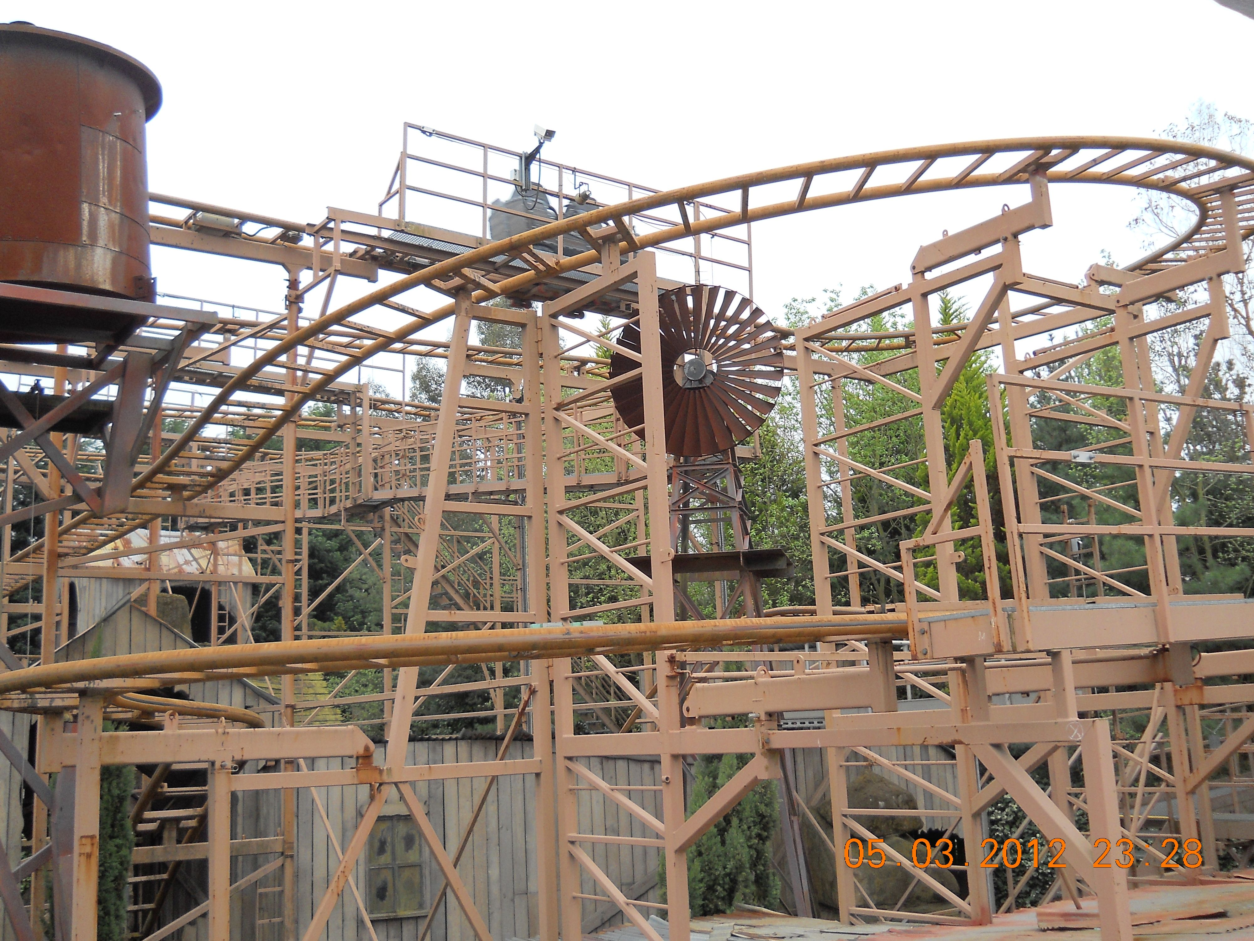 Pin by Judson Workman on Rollercoasters... check!!! | Pinterest