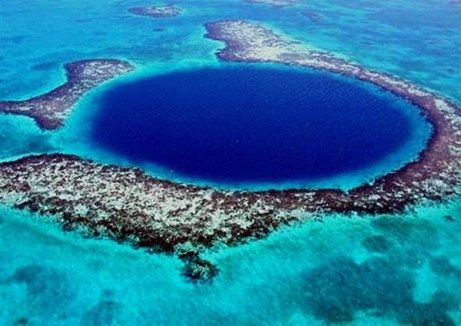 Great-Blue-Hole-Belize_1