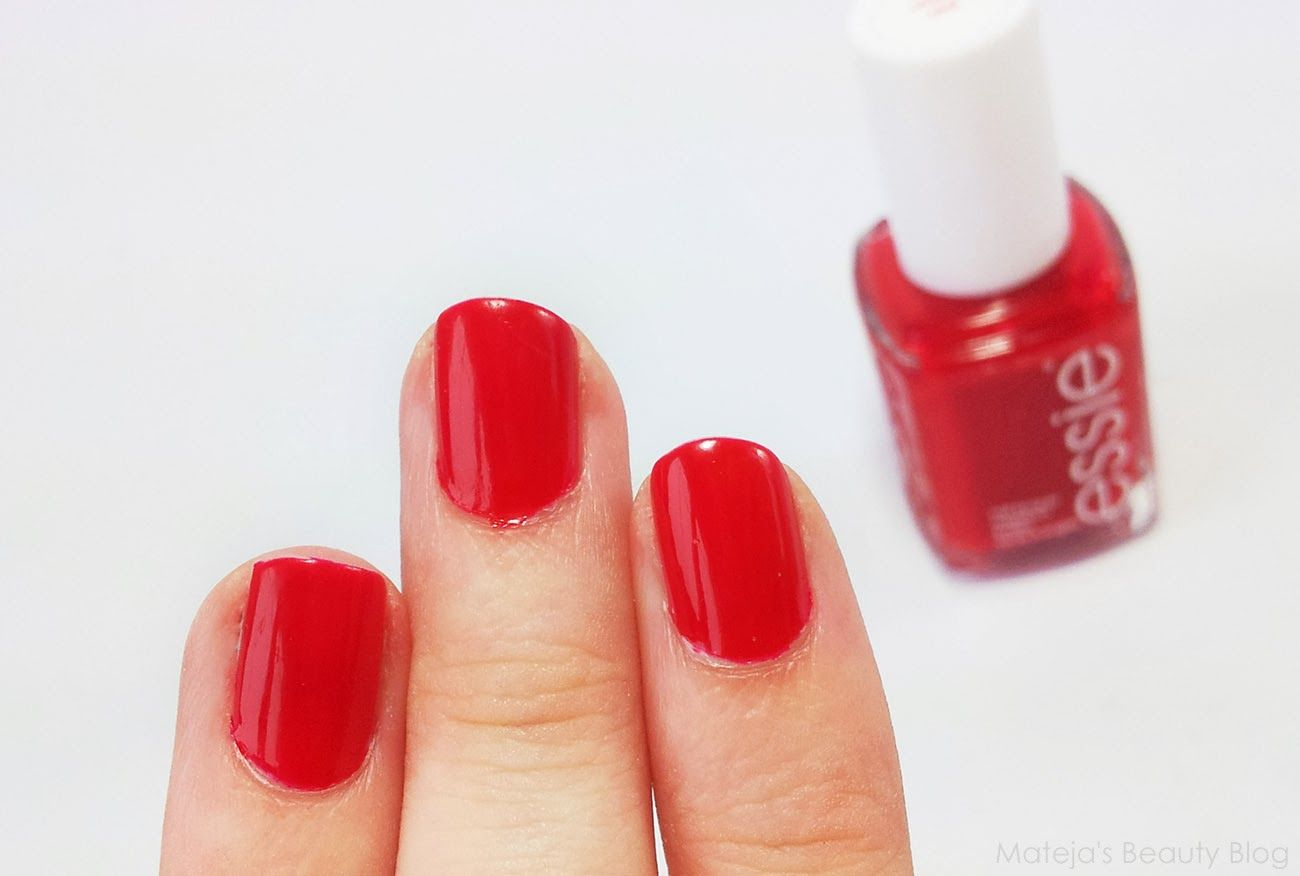 Essie Really Red // Mateja\'s Beauty Blog | Nails | Pinterest | Style ...