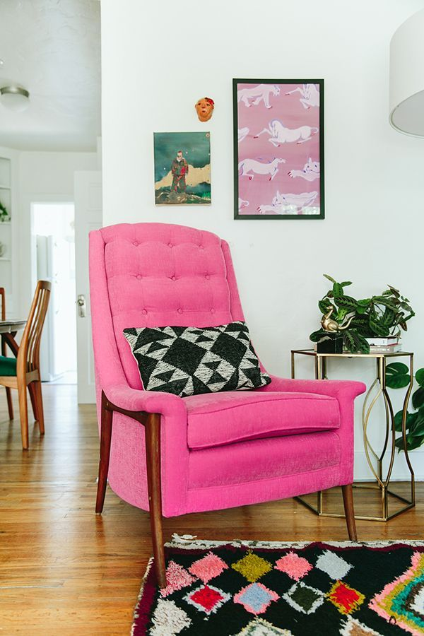 Gorgeous fuchsia chair! | Retro Home Decor | Pinterest | Retro