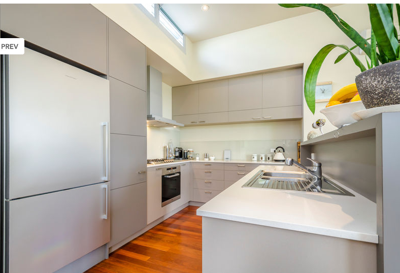 Good Current listing great kitchen in a beautiful well lit home http