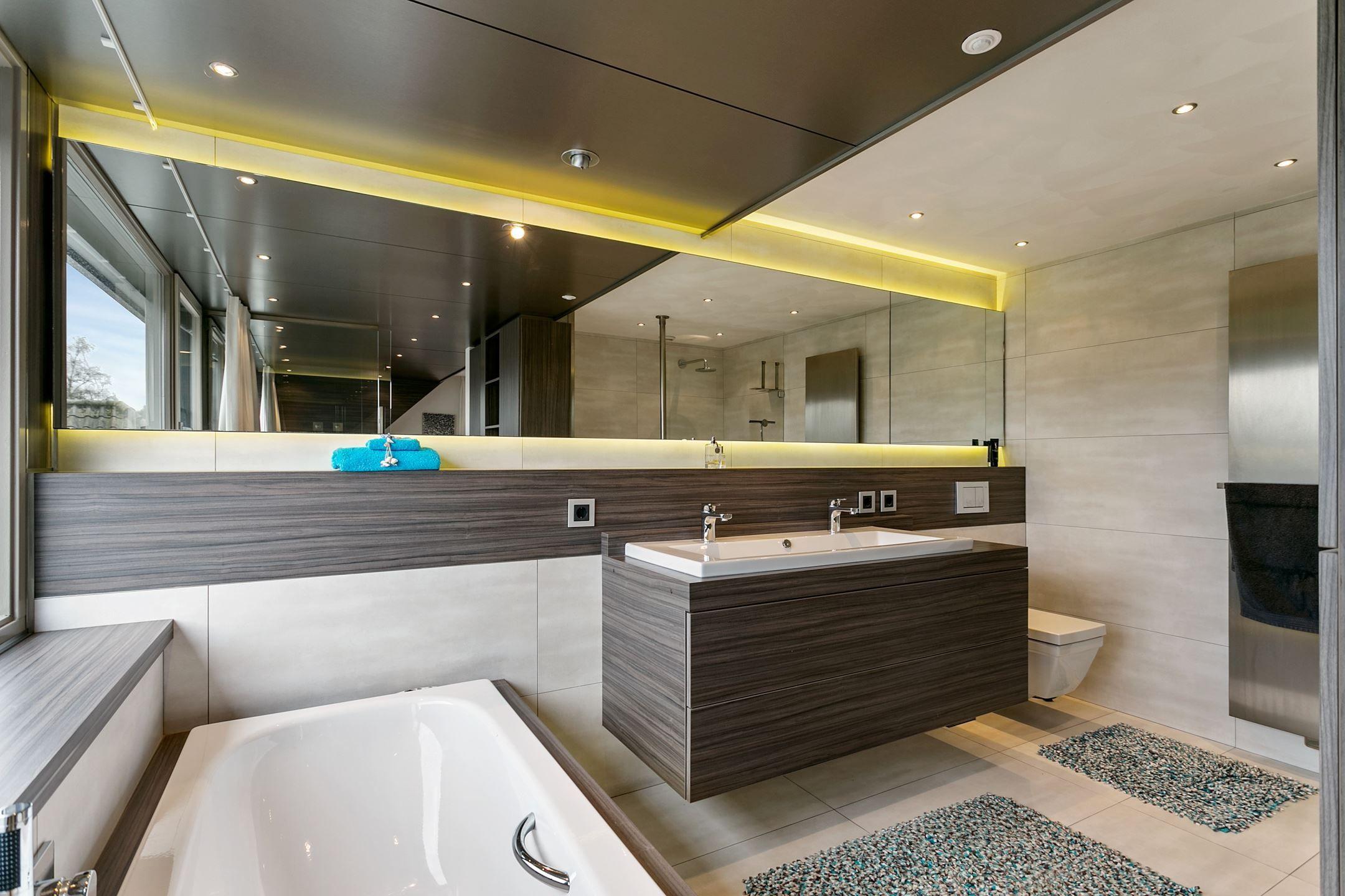 Verlichting Badkamer Led : Luxe badkamer led verlichting luxe badkamers pinterest luxe