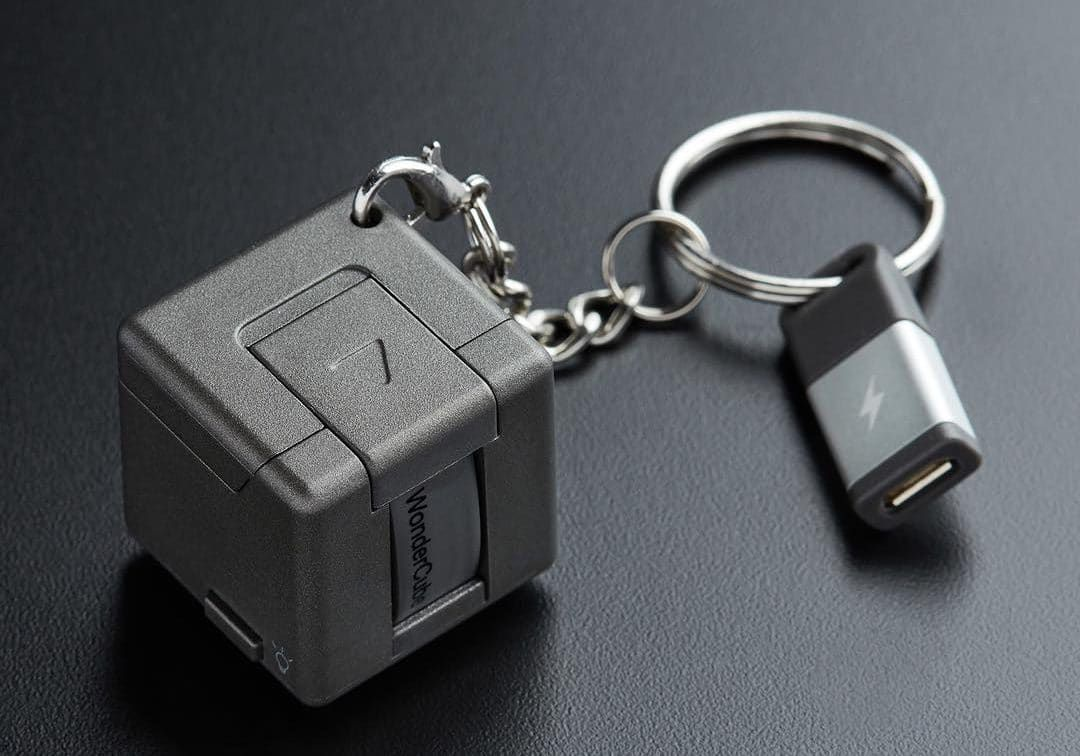 WonderCube Pro – A Cool Smartphone Gadget