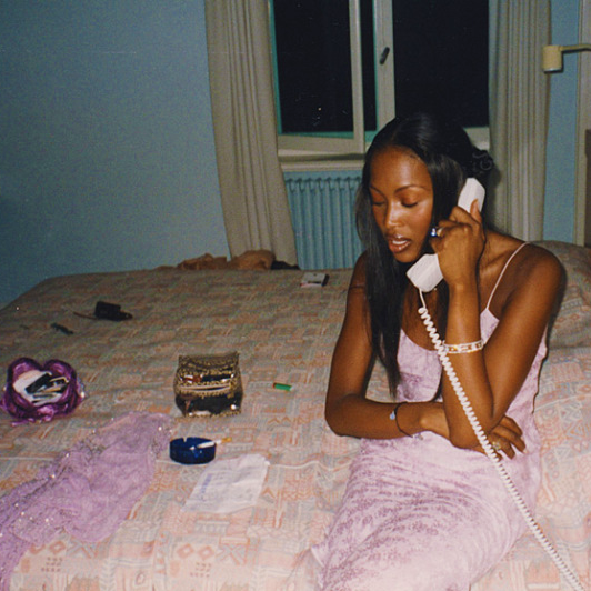 Naomi Campbell Kate Moss Flaunts Their Sizzling: Source: Howtobeafuckinglady