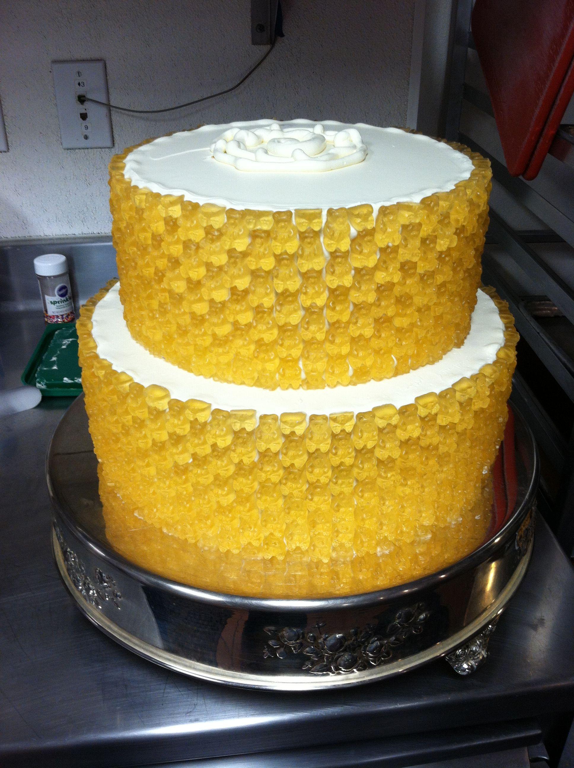14++ Gummy bear wedding cake trends