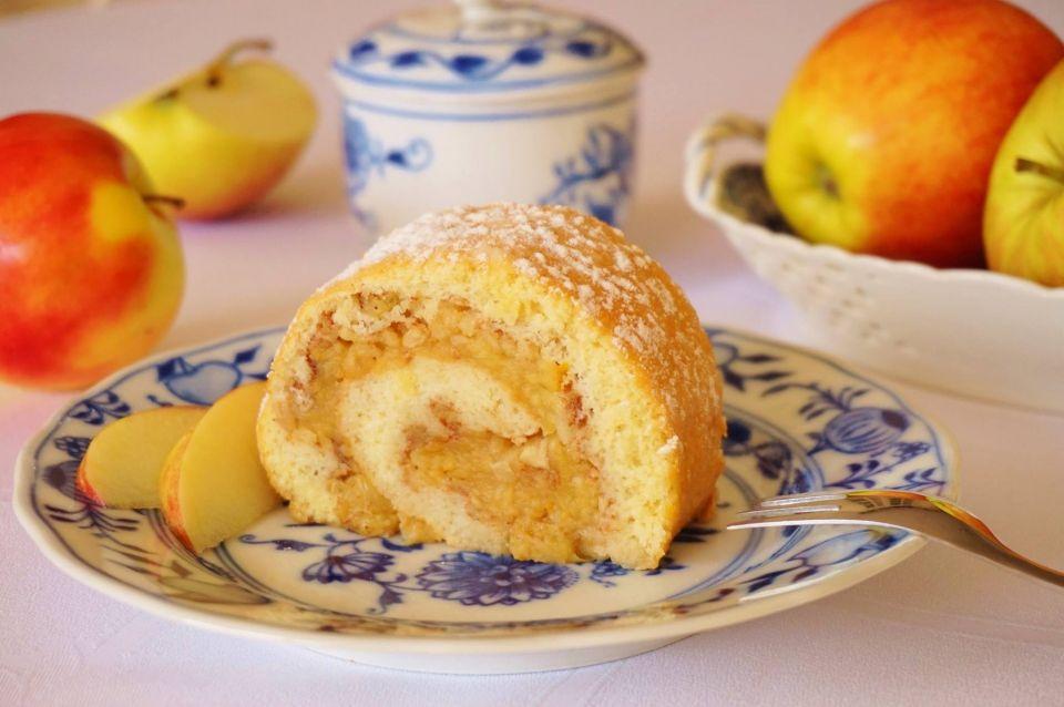 Obrácená jablečná roláda