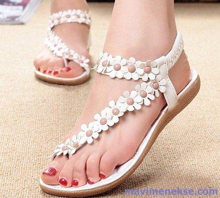 http://www.mavimenekse.com/bayan-sandalet-2016-modelleri.html
