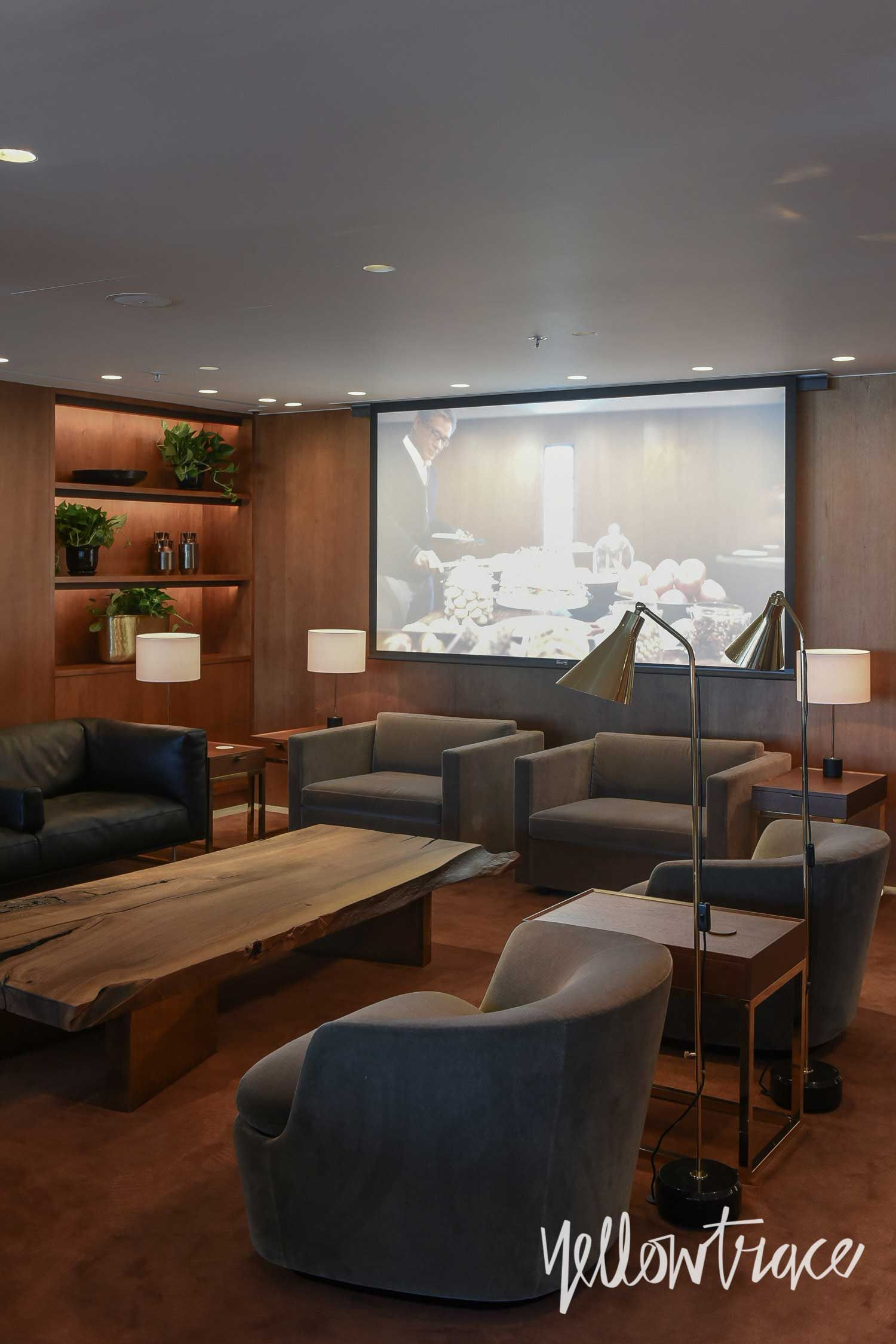 Cathay Pacific S The Pier First Class Lounge In Hong Kong With