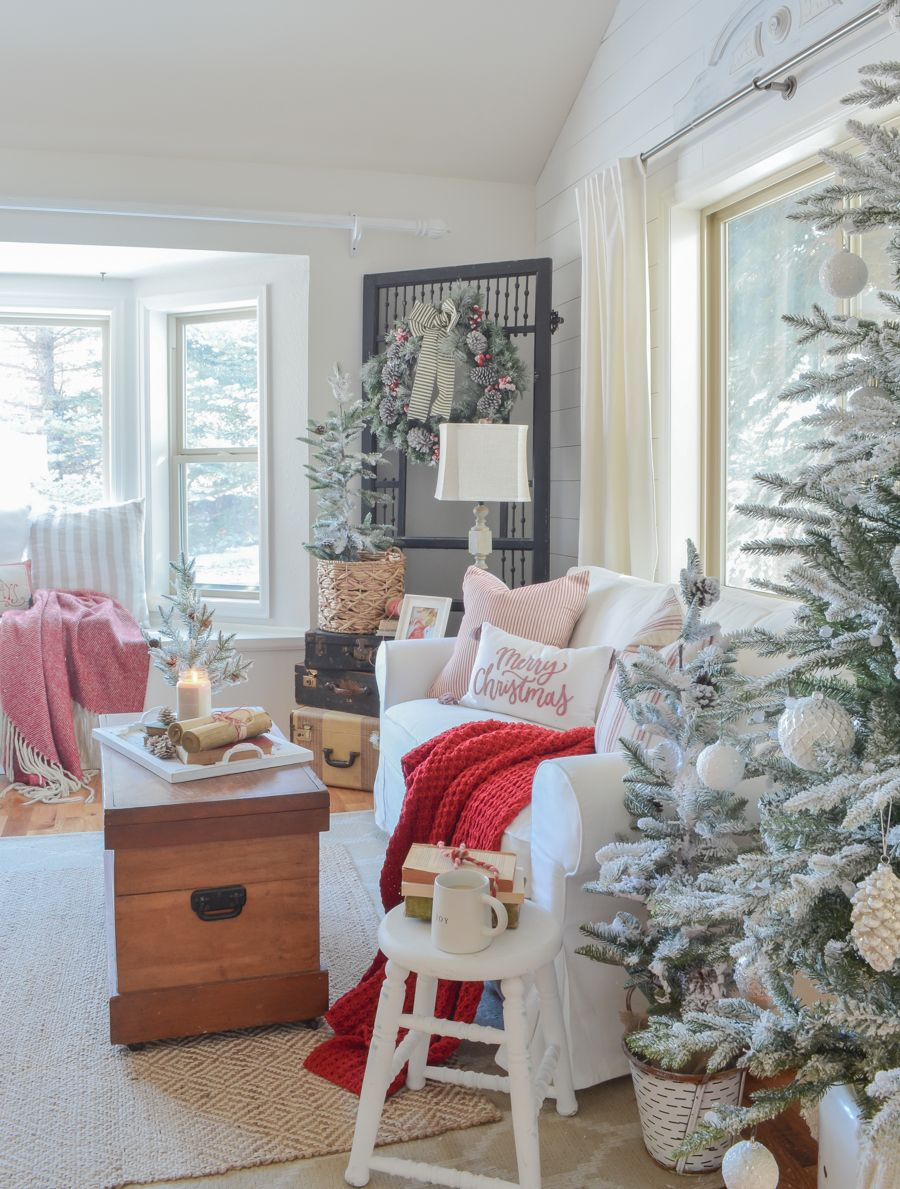 Christmas in the living room cozy and bright living room decorated