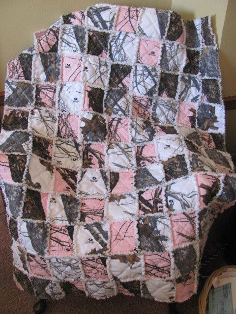 New Mossy Oak Pink and White Camo Rag Quilt