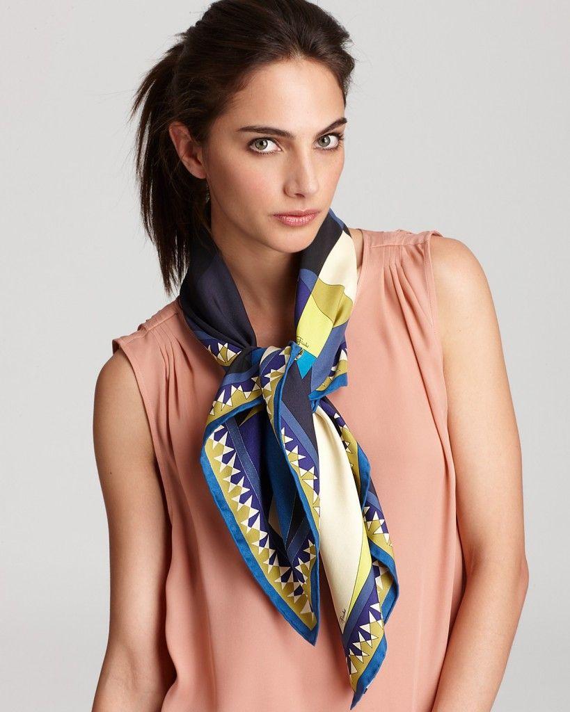 Comment porter un foulard carr silk neck scarf scarves and silk scarves - Comment porter un foulard ...