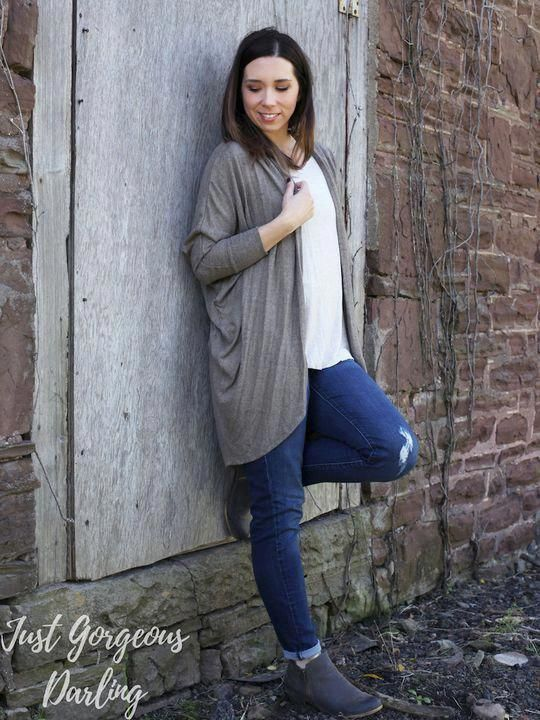 Stay warm and cozy in this mocha cocoon cardigan! Perfect for the busy mom looking for casual winter outfits. Available in S-3XL. Click the link below…
