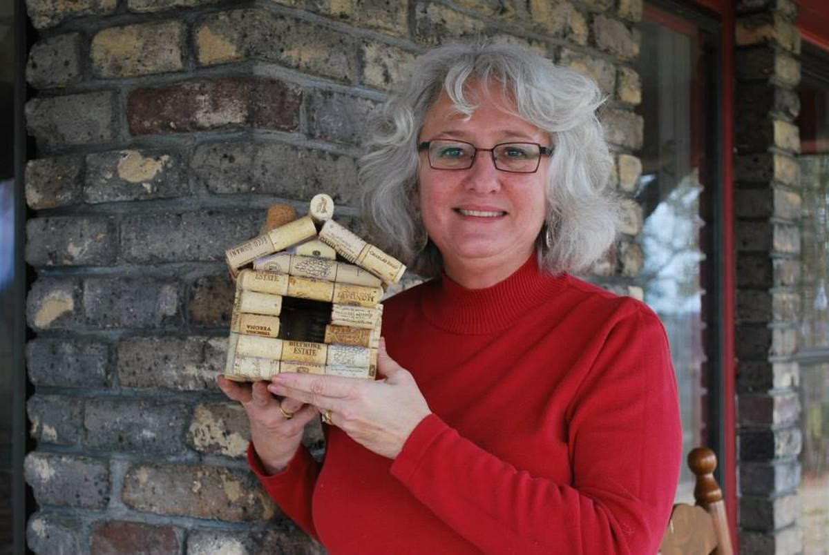 How To Make A Birdhouse From Recycled Wine Corks Enjoy Putting Together This Easy Craft With Only A Hot Glue In 2020 Wine Cork Birdhouse Recycled Wine Corks Wine Cork