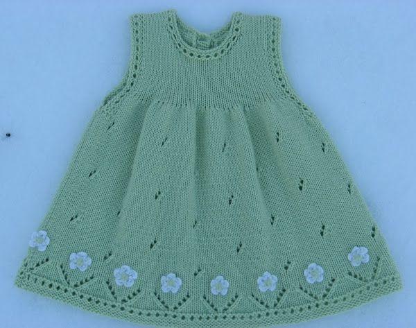 Vestido para ni a tejido con dos agujas calado con - Aplicaciones en crochet ...