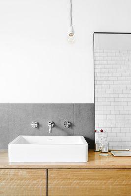 Badezimmer Einrichten Wohnen Dekorieren Interior Design Wohnideen Bad  Waschtisch Holz Unterschrank Minimalistisch, Waschbecken Eckig Weiß, Graue  Fliesen, ...
