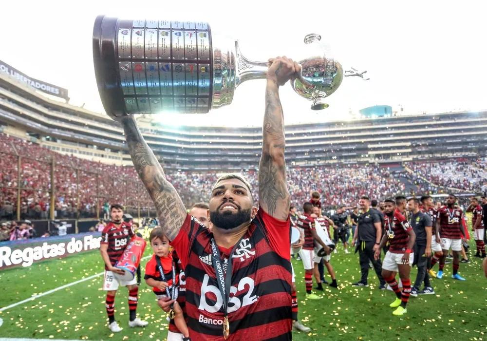À espera de documento, Flamengo vive expectativa pelo