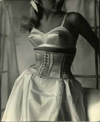 18c8ccc808 Pin by Issy Lawrence on timeline of corsets