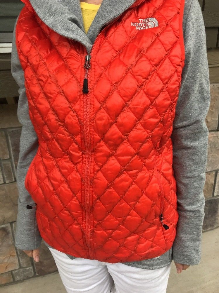 5e41db65e1 The North Face Women s ThermoBall Puffer Quiled Vest Med Insulated  Lightweight