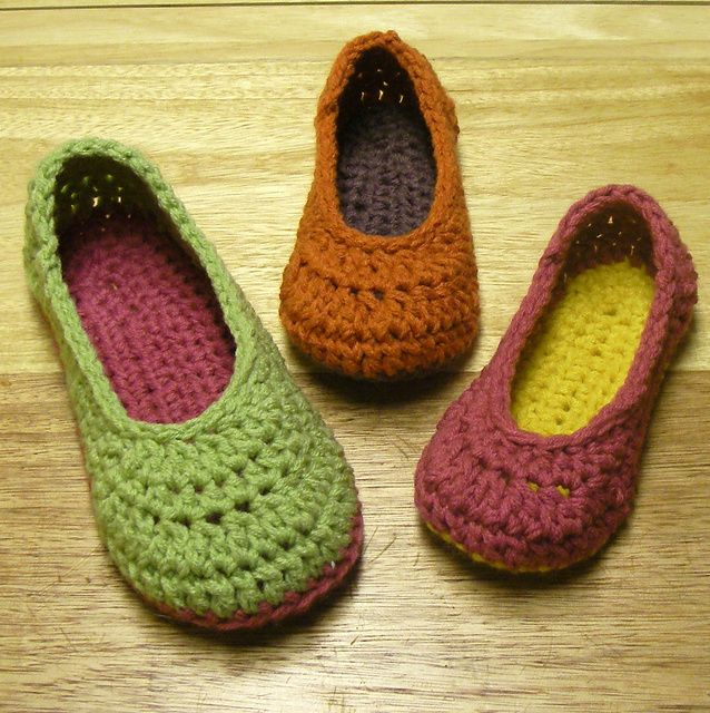 Oma House Slippers pattern by Mamachee | Crocheted slippers, Crochet ...