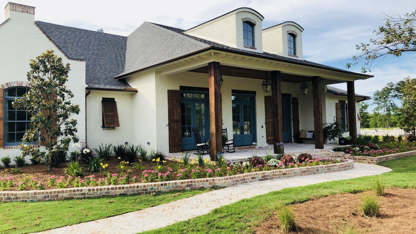 Acadian Style Home Large Front Porch Acadian Style Homes Southern Style Homes House Exterior