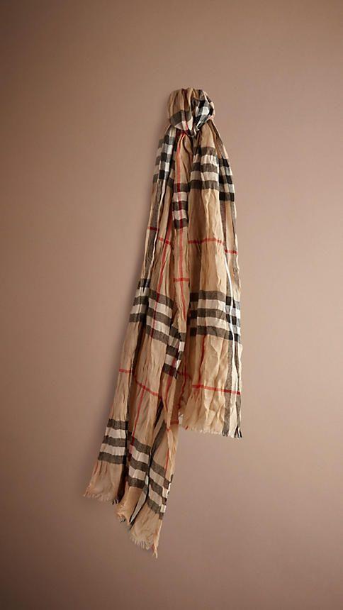 Patrimonio Compruebe arrugada bufanda de cachemira | Burberry ...