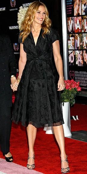Julia Roberts Look Of The Day Instyle Added Cathy Waterman Bracelets To Her Embroidered Dior Dress Available At White Bird Jewellery