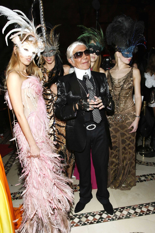 roberto cavalli dresses as designer karl lagerfeld at the cavalli cipriani halloween ball 2007 hosted by roberto cavalli and giuseppe cipriani on october
