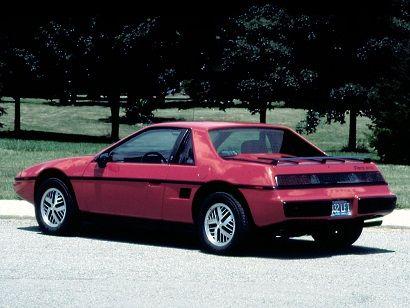 Pontiac Fiero (1984 – 1988).