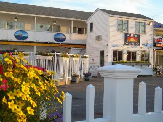 Ships Inn In Hampton Nh Just Steps From The Beautiful Beach