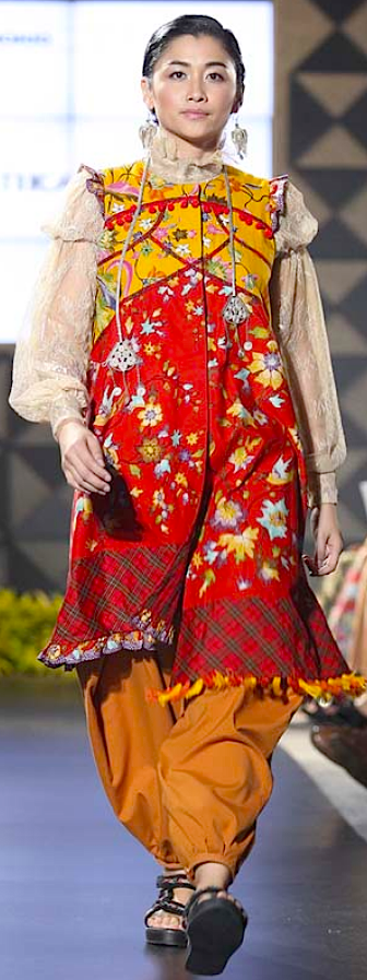 """""""Kembang Kirana"""" for FIMELAFest Batik Fashion Week 2015 Amelia Kartikasar"""