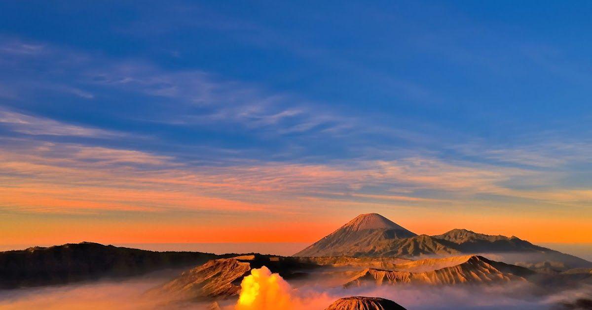 Gambar Pemandangan Gunung Di Pagi Hari Gambar Pemandangan Gunung Bromo Pagi Hari Pemandangan Gunung Bromo Saat Menjelang Pagi Di 2020 Pemandangan Gambar Taman Indah