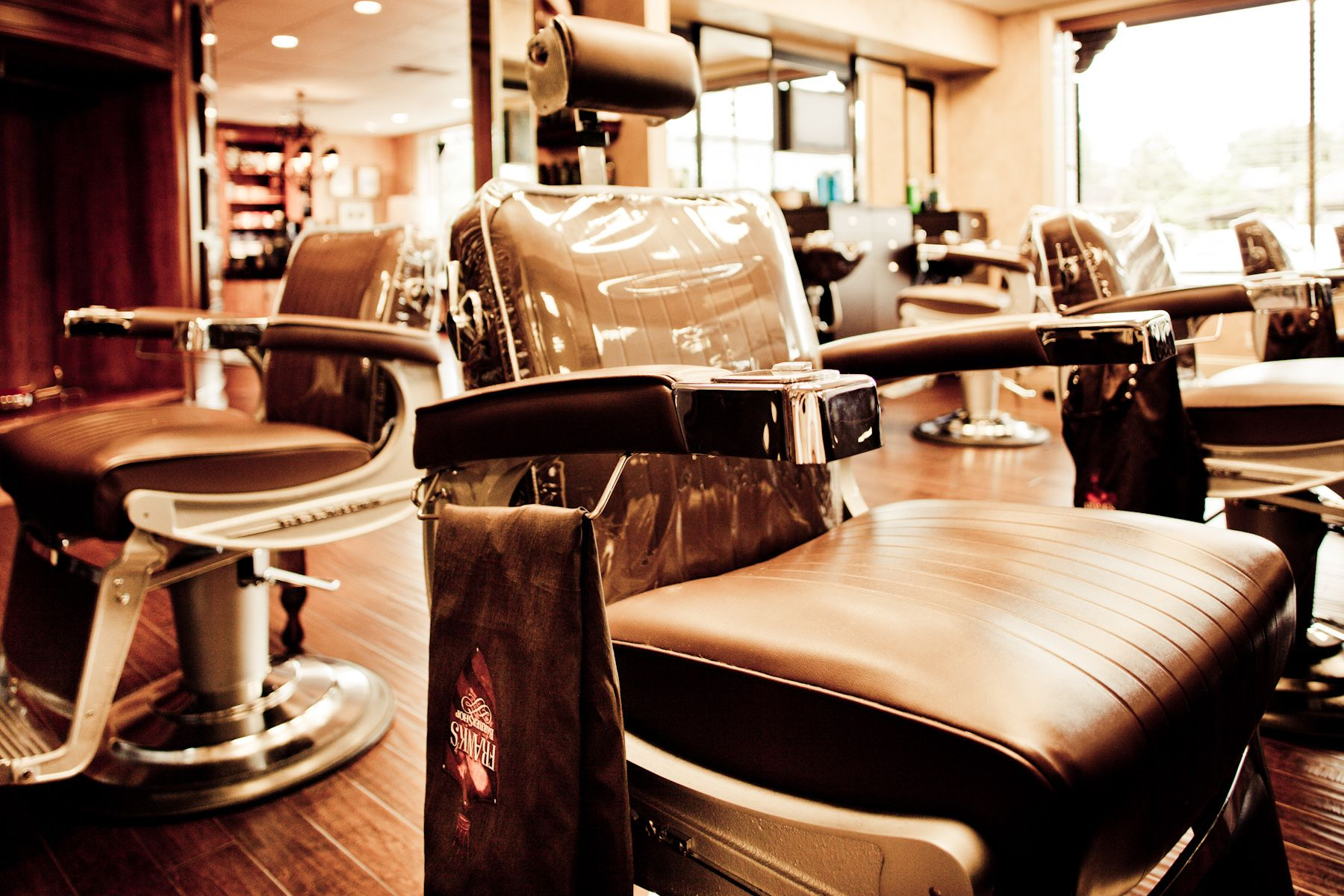 Frank 39 s barber shop knoxville tn barber shop best barber shop salon design barber shop for Interior design schools in knoxville tn