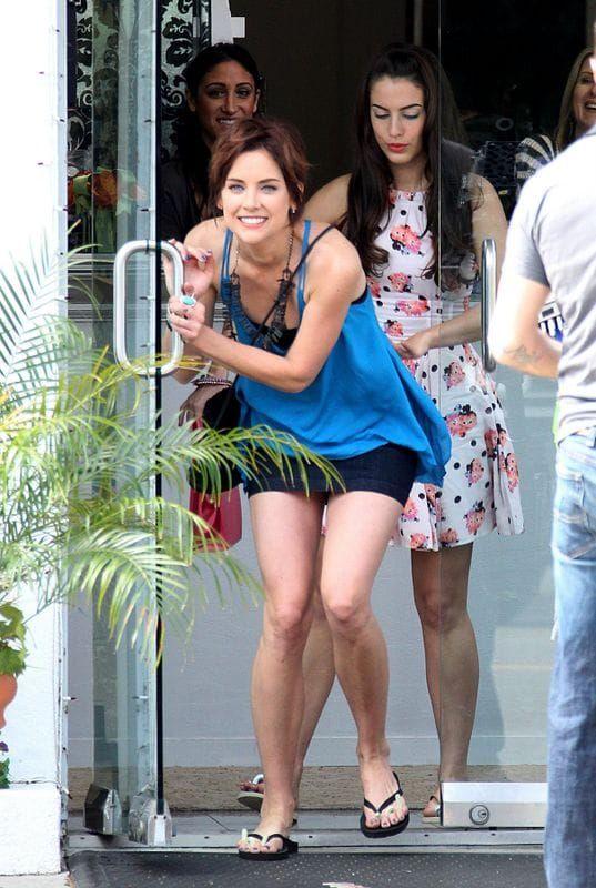 Jessica Stroups Legs Hot Legs Jessica Stroup Jessica Lowndes
