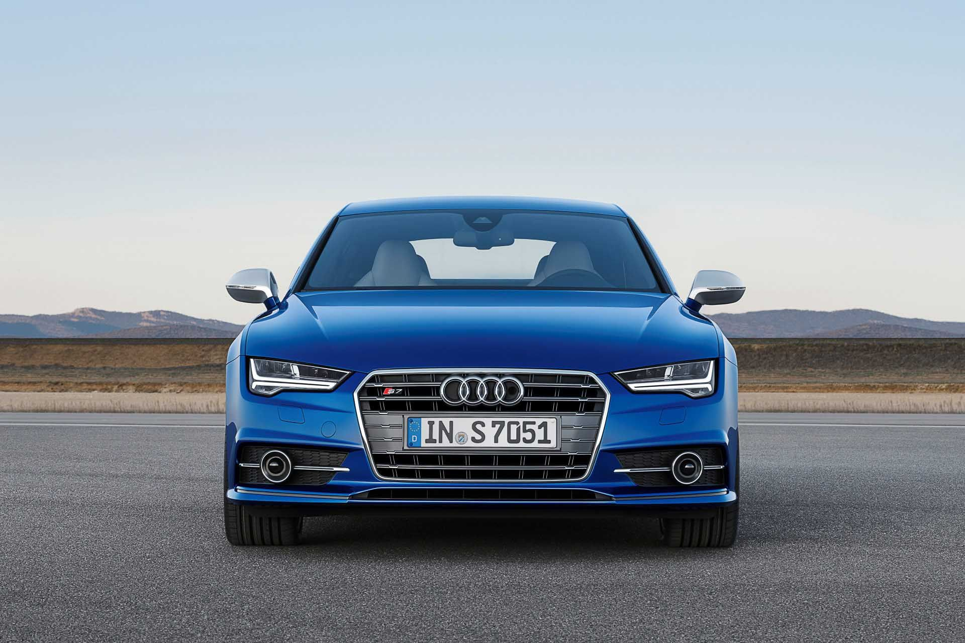 10 Audi S7 Sportback Front View Wallpapers