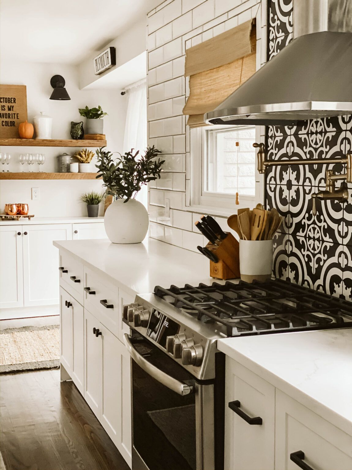 MODERN FARMHOUSE KITCHEN REVEAL // CRESTWOOD + MCKINLEY