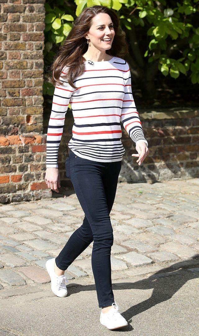Striped Pullover + Dark Skinnies + White Sneakers · Summer Skinny Jeans ...