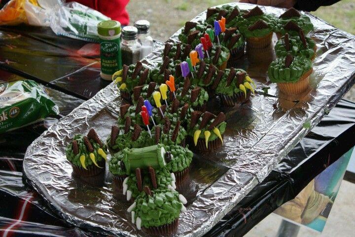 Alliigator cupcakes