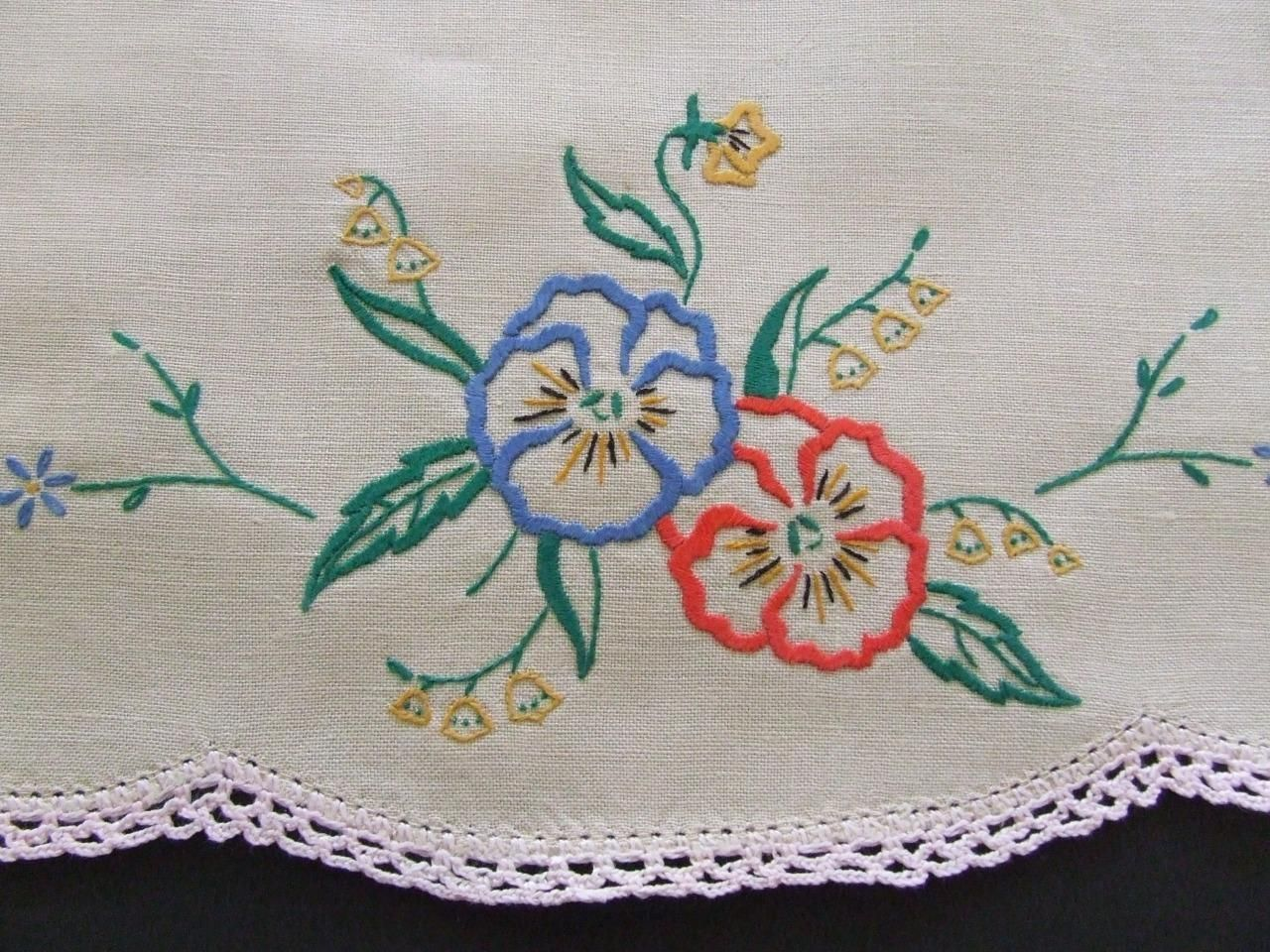 Hand Crocheted,Pansy-Edged Table Runner