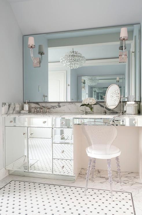 Mirrored Make Up Vanity With Lucite Vanity Chair Contemporary Bathroom Bathroom Vanity Chair White Vanity Bathroom Stylish Bathroom