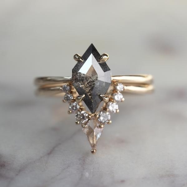 1,60 Karat geometrischer Diamant-Verlobungsring, Jane-Fassung, 14 Karat Gelbgold – Neue Moderinge