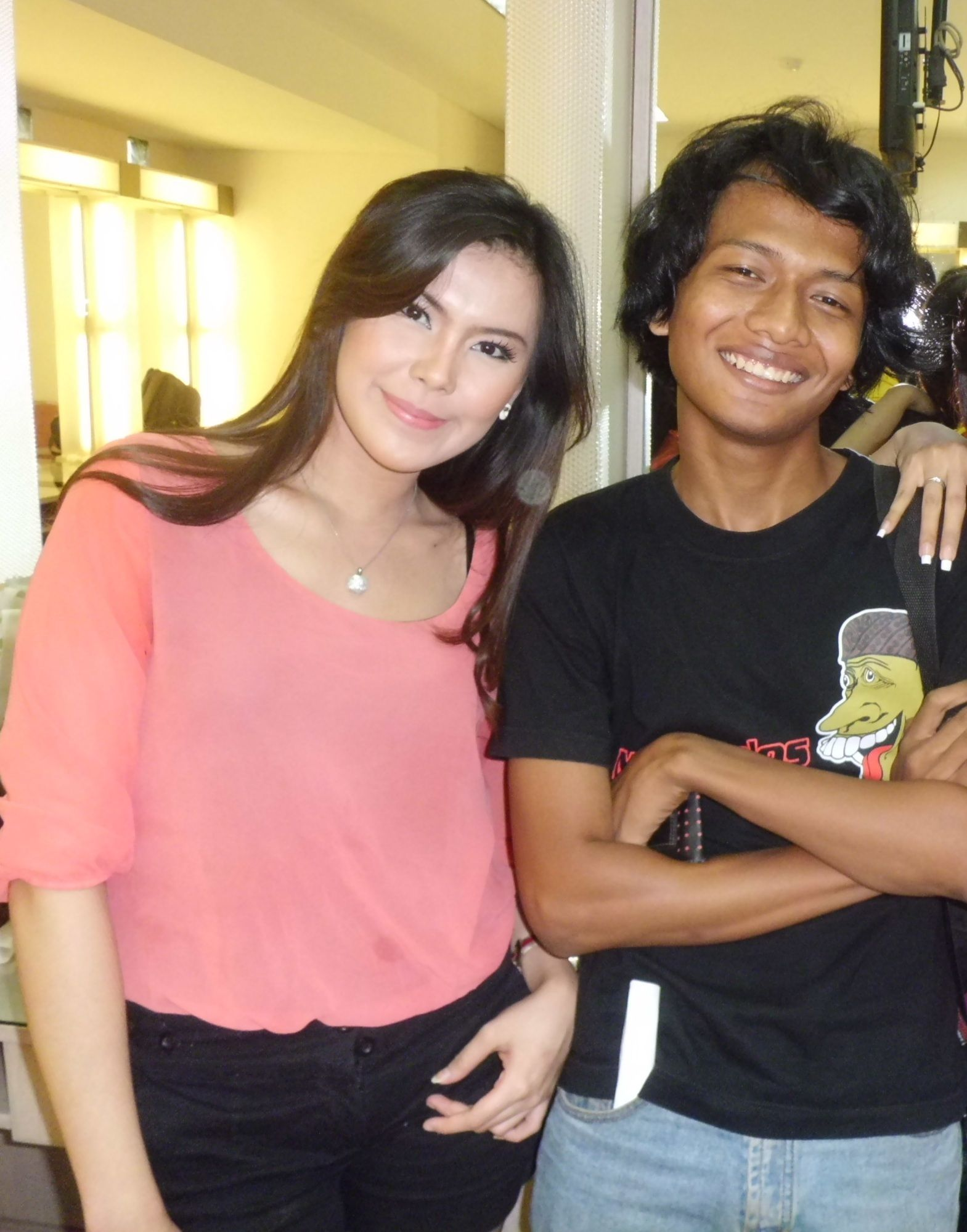 [[MC Bolla]] 7 Pada waktu acara BBM show, di Indosiar